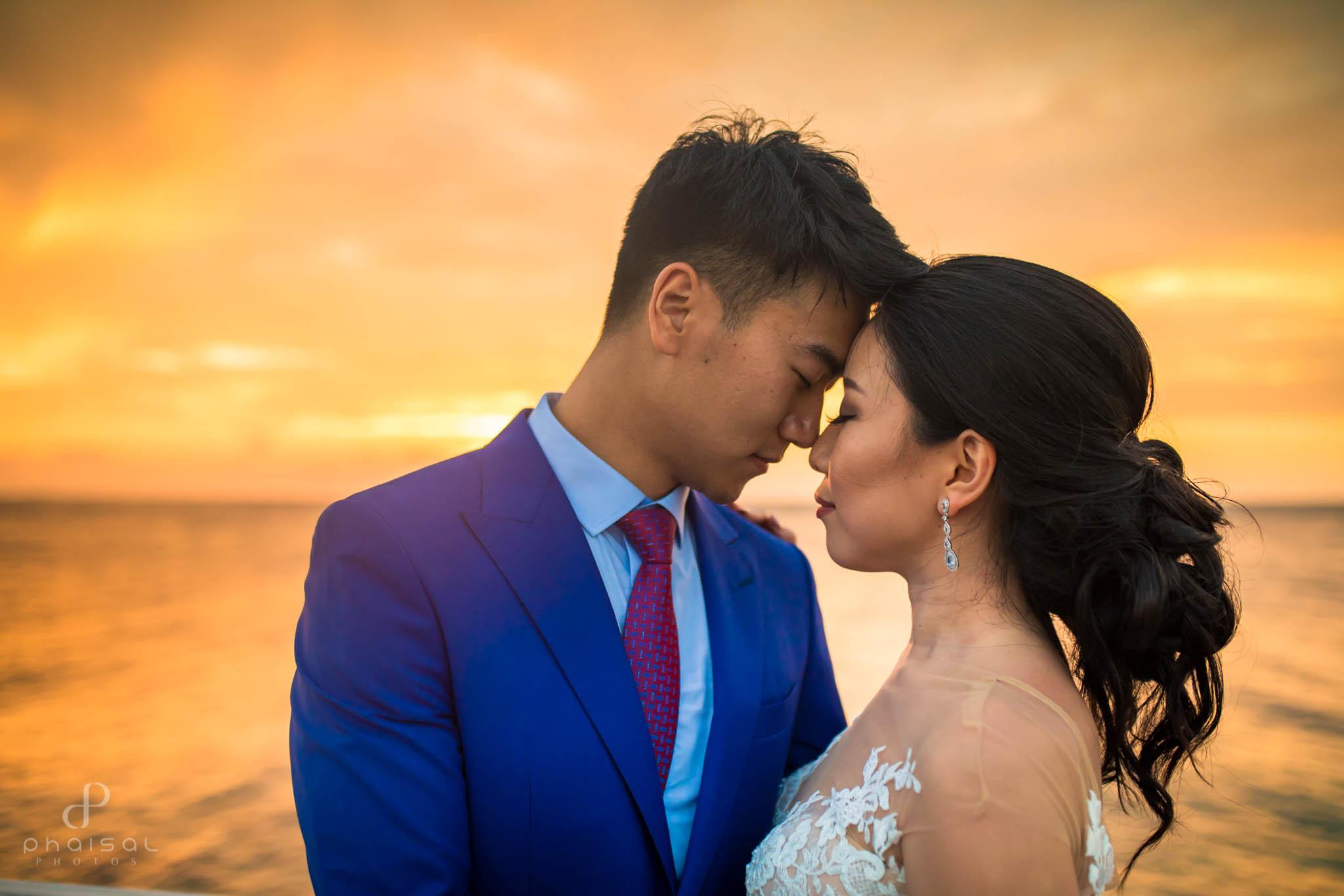 honeymoon photographer in maldives